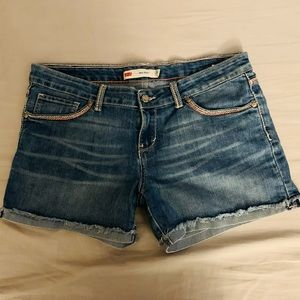 Junior's Levi's cuffed denim shorts size 15